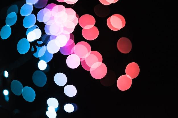 青とピンクの斑点