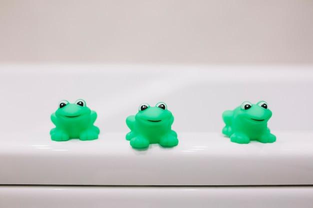 入浴用ゴムカエル