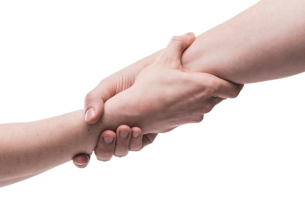 Руки в помощи жестом