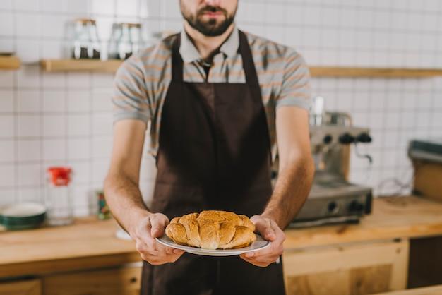パンのバーテンダーを作ってください
