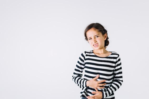 痛い胃の女の子