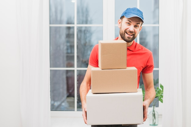 荷物と陽気な宅配便