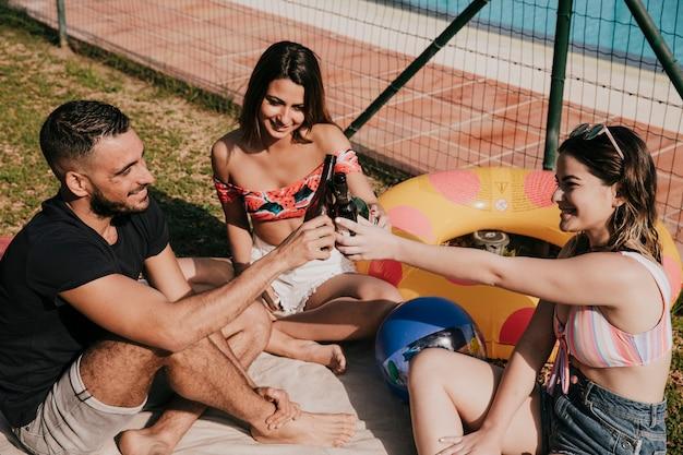 友情と夏のコンセプト