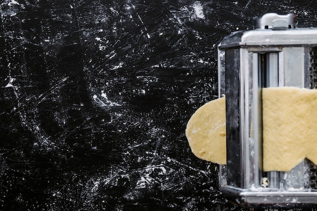Макаронное машинное прокатное тесто