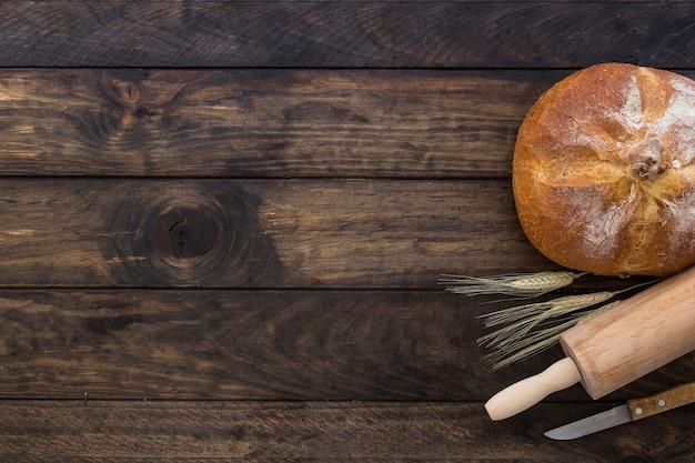 パンのローリングピンとナイフでセット