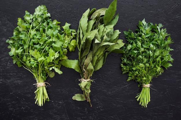 Современная кухонная композиция со здоровыми ингредиентами