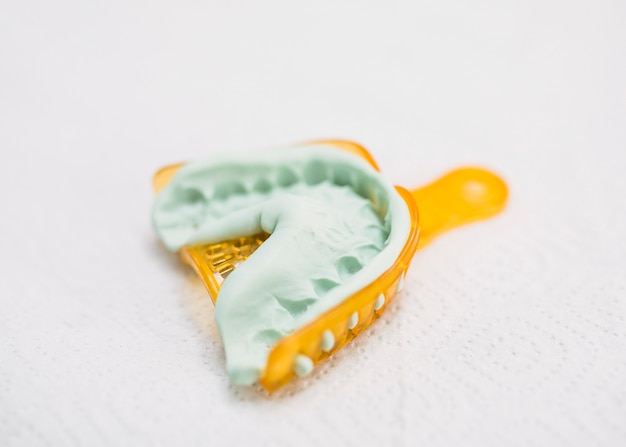 歯のモールドのクローズアップ