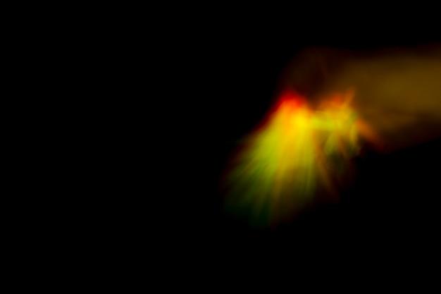 暗い背景にネオンの光をぼかす