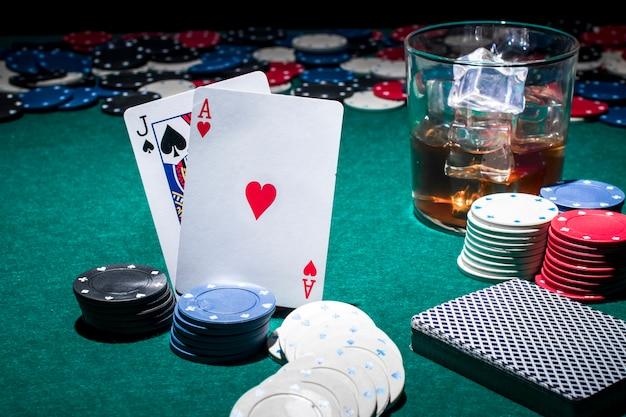 ウィスキーの賭博器具