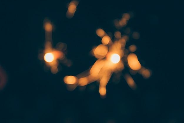 新年の夜にぼやけた花火