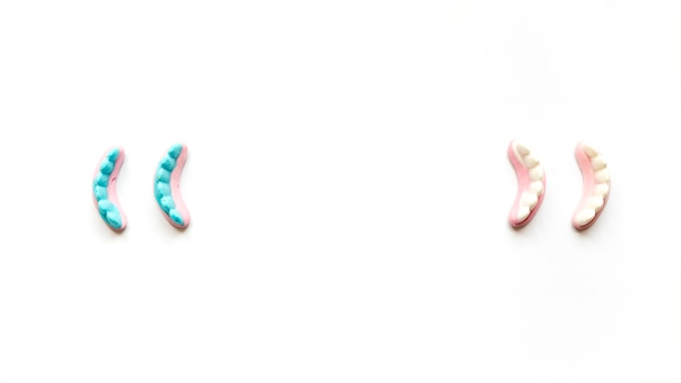 ハロウィーンのお祝いのためのゼリーの歯