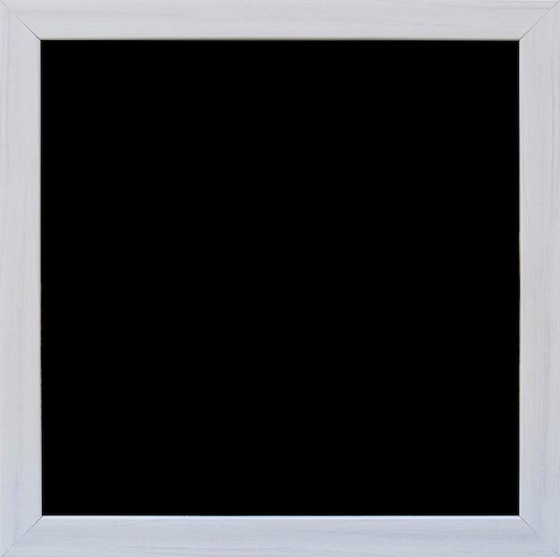 灰色の国境と空の黒板のクローズアップ