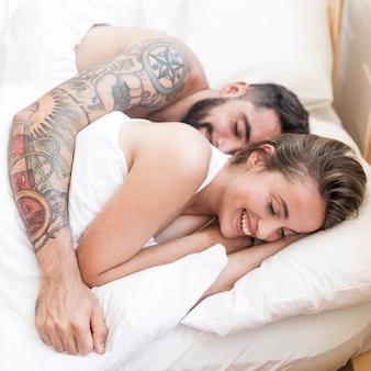 若い、恋人、一緒に、寝る