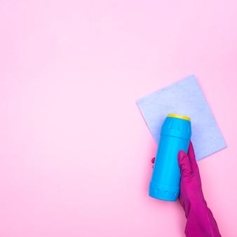 製品を清掃するハウスキーピングのコンセプト