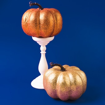Хэллоуин украсил тыквы на горе