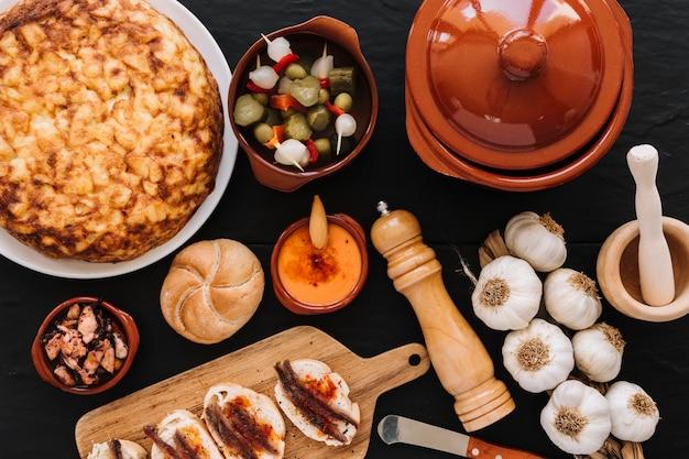 食べ物に近い鍋とスパイス