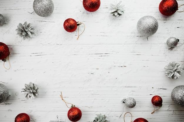 明るい球のクリスマスの組成