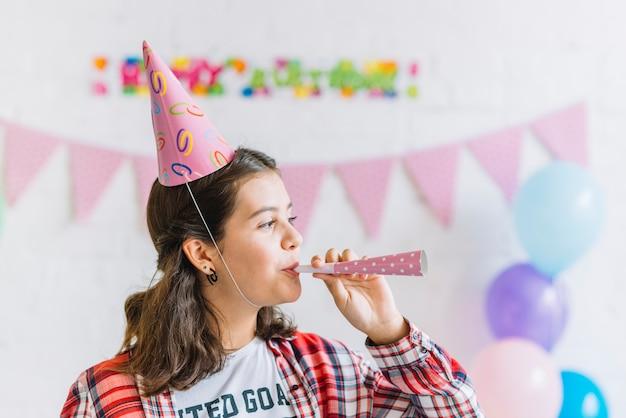 女の子、クローズアップ、パーティー、角笛