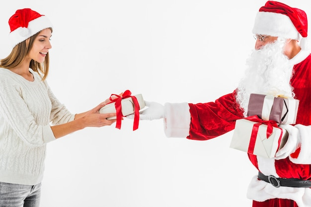 サンタクロース、贈り物