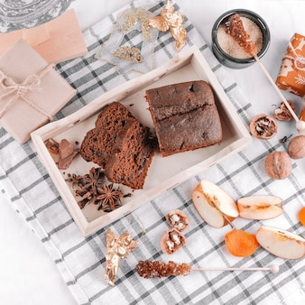 チョコレートパイ、ギフトボックス、テーブル