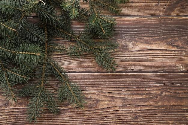 モミの木の枝のクリスマスの組成