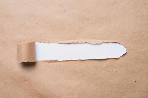 Белая доска, глядя через бумажную бумагу