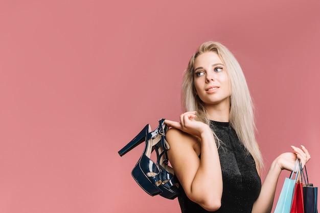 女性、買い物袋、靴