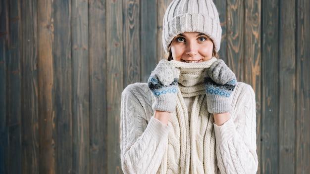 女、身に着けていること、顎、スカーフ
