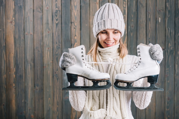 セーター、女、スケート、見る