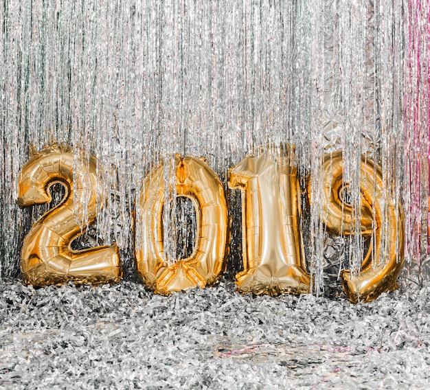 Золотые шары новогодняя вечеринка