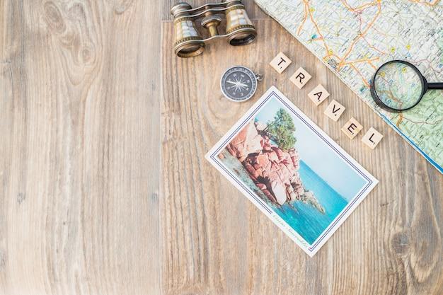 さまざまな要素の構成を持つ旅行コンセプト