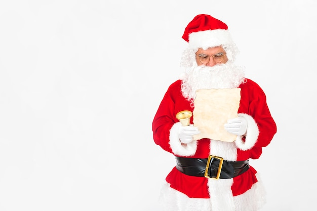 サンタクロース、クリスマスレターを読む