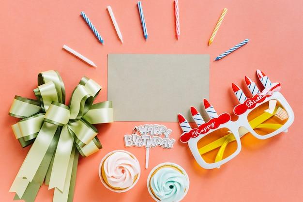 誕生日の要素を持つトップビューカード