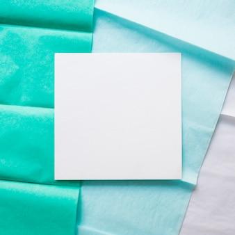 勾配紙ライン上のカード