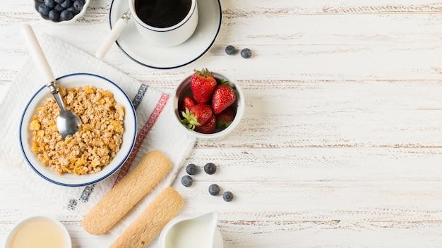 Вид на здоровый завтрак