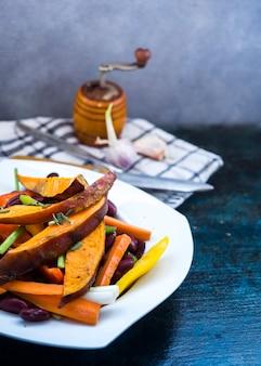 キッチンツールを備えた健康的な食品組成