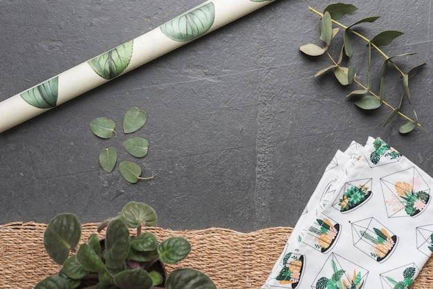 Листья и бумага