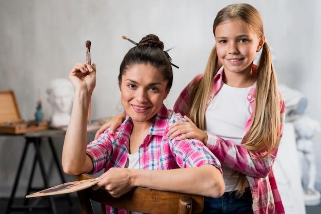 母と娘のアーティストコンセプト