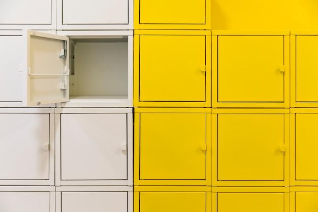 Квадратные шкафчики