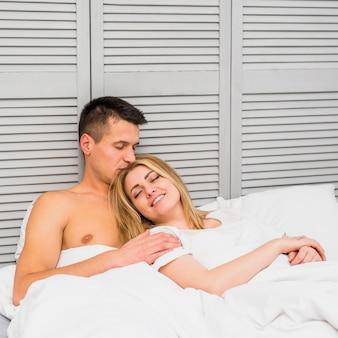 若い、恋人、ベッド、休憩