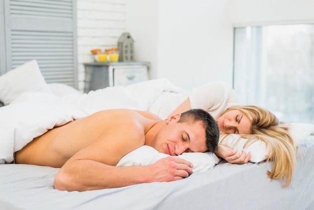 若い、恋人、ベッド