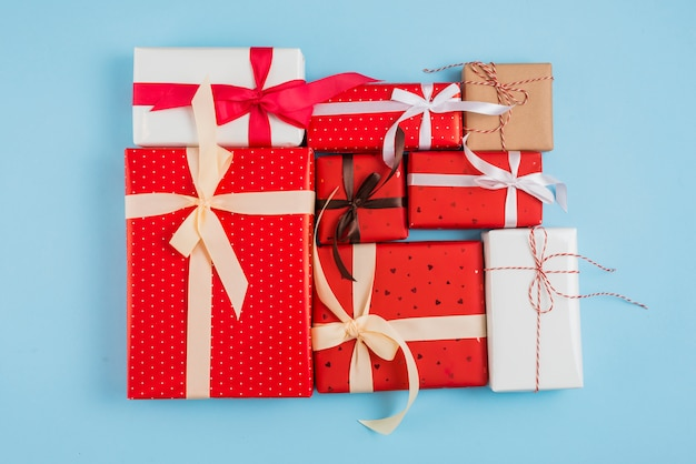 Набор подарочных коробок в обертках