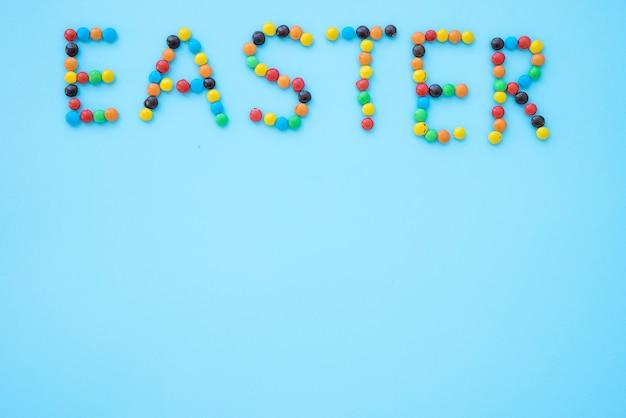 小さなキャンディーからイースターの碑文