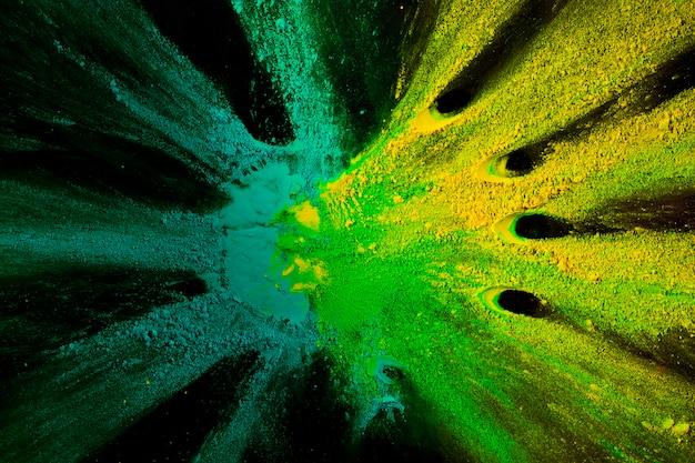 色とりどりの抽象的なホーリーカラーパウダー