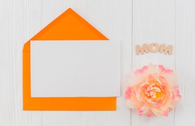 Рамка-конверт и пион со словом мама