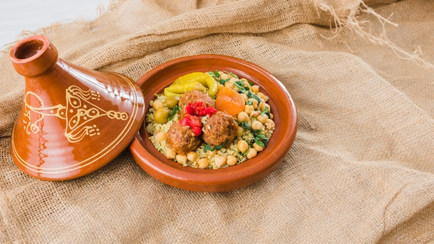 黄麻布の生鮮食品プレート