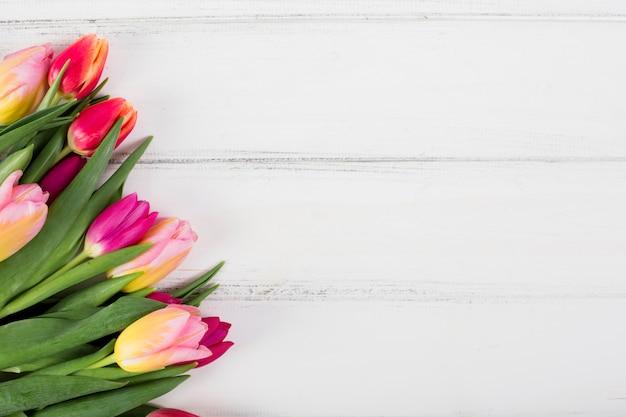 Красочный букет цветов