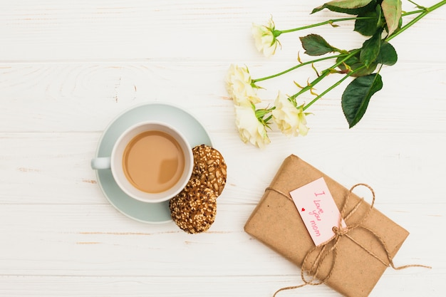 私はあなたを愛してギフトとコーヒーでお母さんの碑文