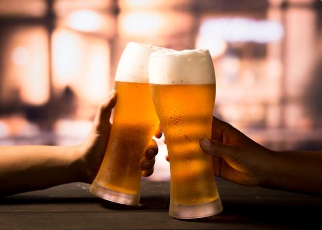ビールと乾杯