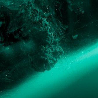 抽象的なヘビーアズールヘイズの液体